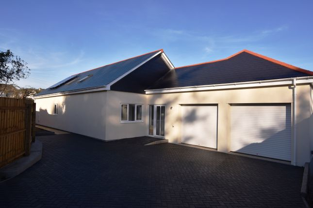 Thumbnail Bungalow for sale in Bell Veor, Lanner