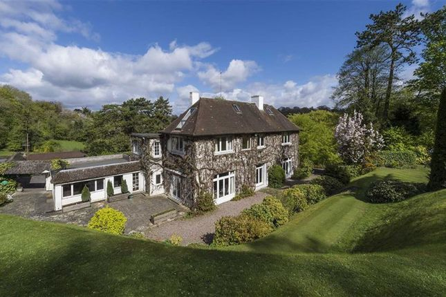 Thumbnail Detached house to rent in Butlers Dene Road, Woldingham, Surrey
