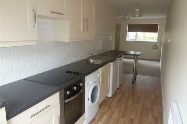 Thumbnail Flat to rent in Hexworth Walk, Stockport, Cheshire