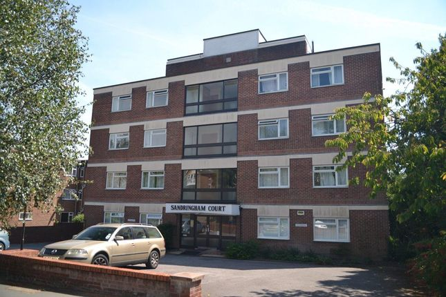 2 bed flat to rent in Sandringham Court, 18 Winn Road, Southampton