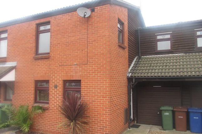Thumbnail Terraced house to rent in Water Lane, Purfleet, Essex
