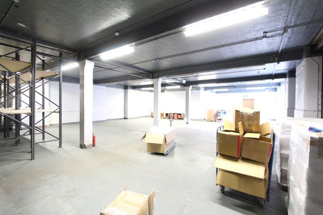 Thumbnail Warehouse to let in Vale Road, London