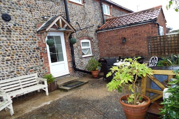 Thumbnail Cottage to rent in Paston Road, Mundesley, Norwich