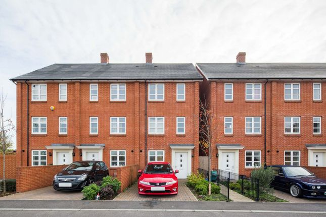 Thumbnail Property to rent in Brickfield Road, Mitcham