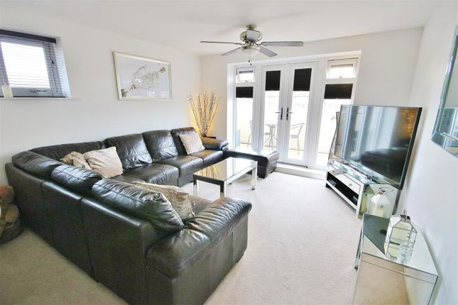 Lounge of Queens Road, Frinton-On-Sea CO13