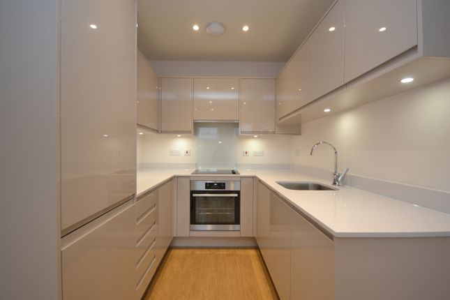 1 bed flat to rent in Crest View Drive, Petts Wood, Orpington BR5