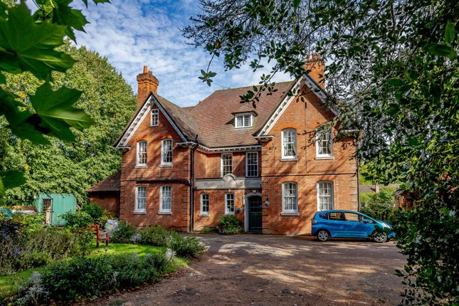 Thumbnail Detached house for sale in Dunchurch Road, Rugby, Warwickshire