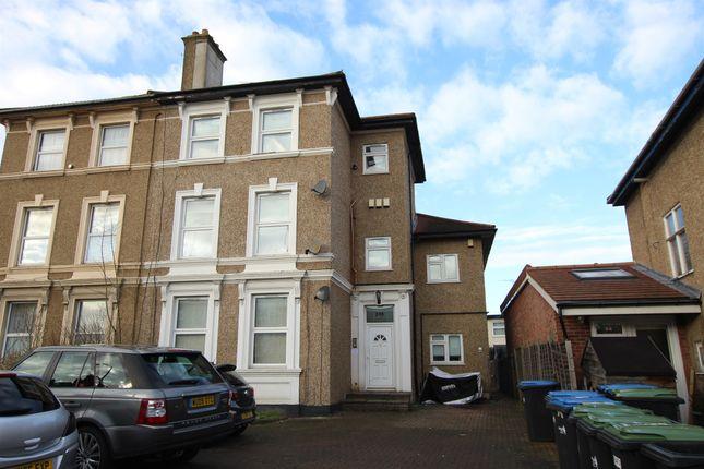 Thumbnail Flat for sale in Baker Street, Enfield