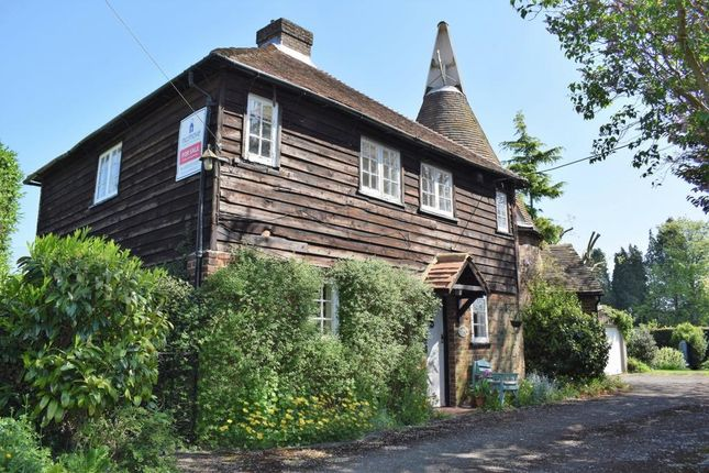 Thumbnail Detached house for sale in Harvel Street, Meopham