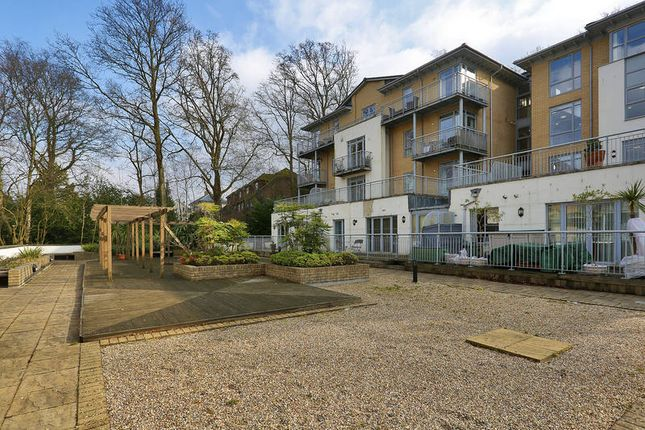 Thumbnail Flat for sale in Linden Fields, Tunbridge Wells
