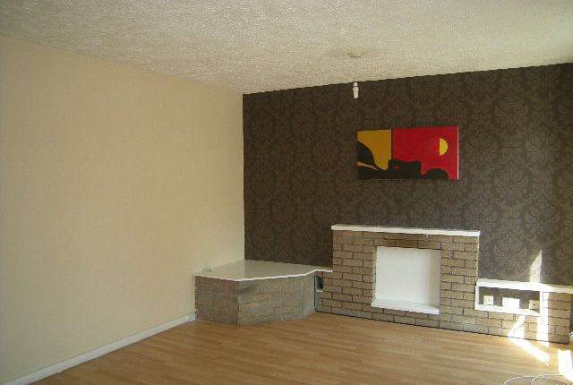 Thumbnail Flat to rent in Cadham Court, Glenrothes, Fife