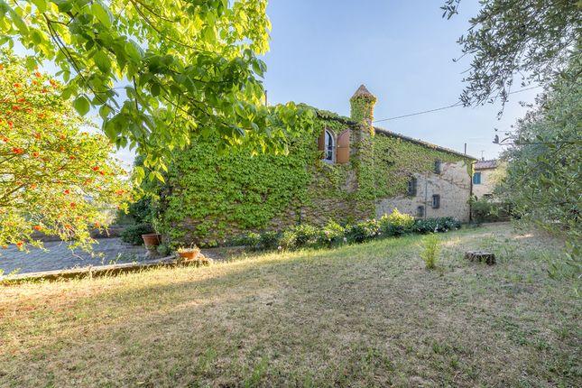 Villa for sale in Staggia Farmhouse, Tuscany, Italy