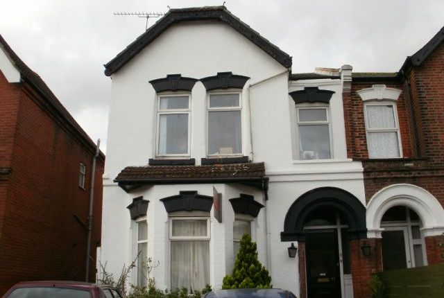 Thumbnail Shared accommodation to rent in Portswood Road, Portswood, Southampton