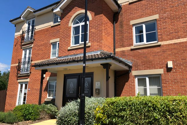 2 bed flat to rent in Windle Court, Treeton, Rotherham S60