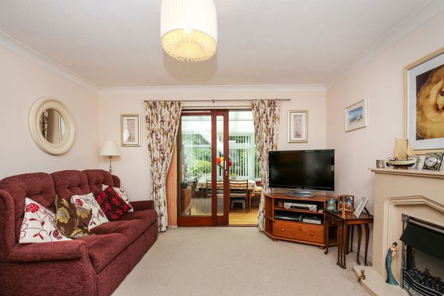 Thumbnail End terrace house for sale in Magnolia Close, Worthing