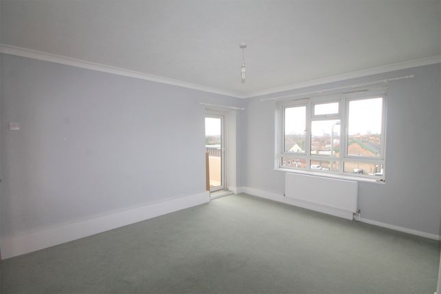 Thumbnail Flat to rent in Tylney Road, Bickley, Bromley