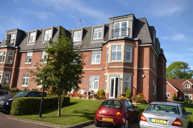 2 bed flat for sale in 14, Middleway House, Taunton, Somerset