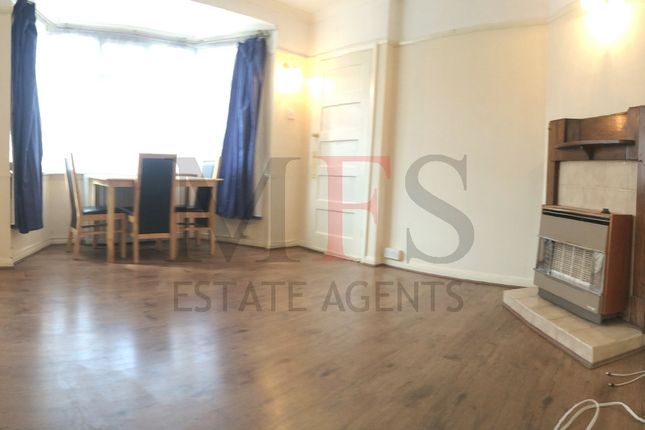 Thumbnail Flat to rent in Straford Road, Hayes