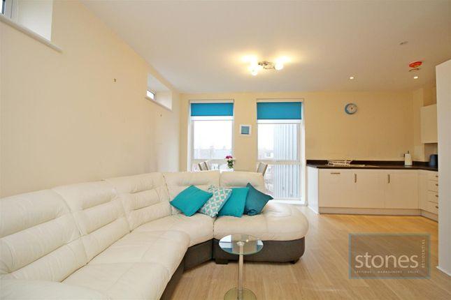 2 bed flat to rent in Ladysmith Road, Harrow HA3