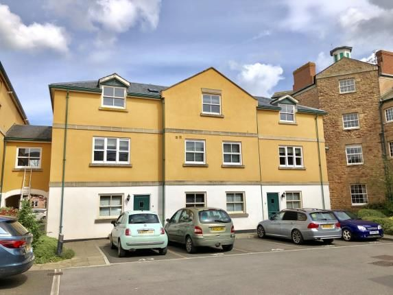 2 bedroom flat for sale in Long Street, Williton, Taunton