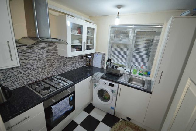 Flat for sale in Addison Way, Hayes