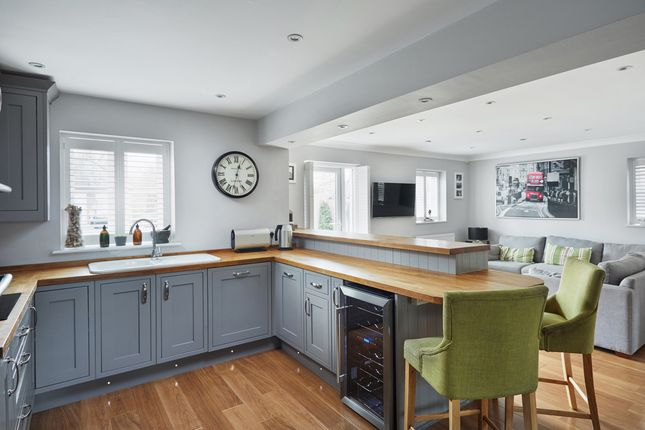 Thumbnail Town house for sale in Broomfield, Bells Yew Green, Tunbridge Wells