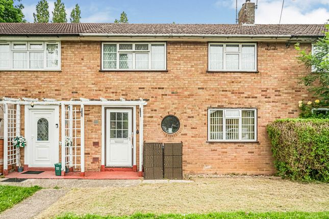 Thumbnail Terraced house for sale in Autumn Grove, Welwyn Garden City