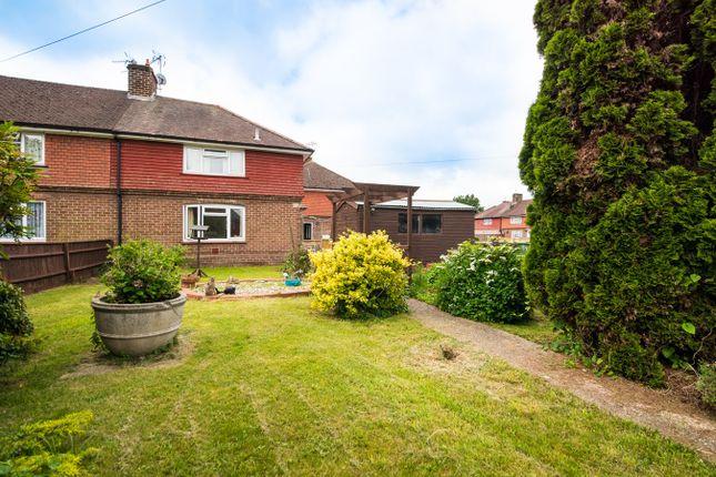 Thumbnail Terraced house for sale in Skyllings, Newbury