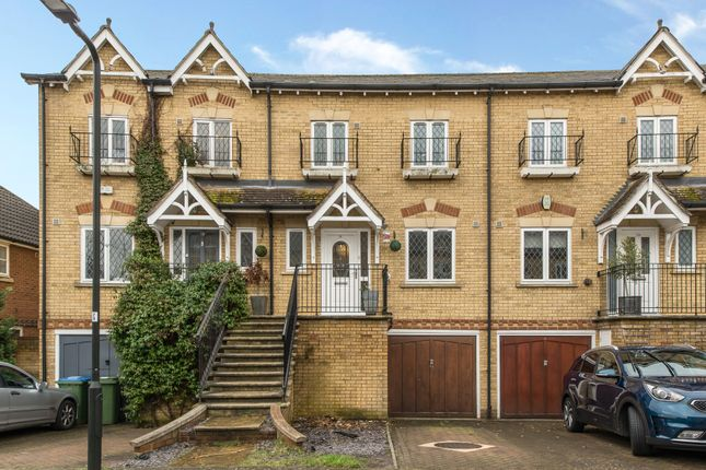 4 bed property for sale in Lynwood Road, Thames Ditton