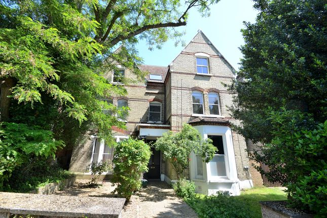 2 bed flat to rent in Belvedere Road, Crystal Palace