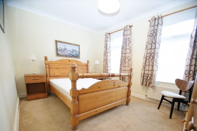3 bed property to rent in Honiton Road, Romford RM7
