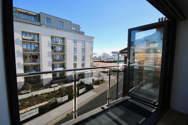 Thumbnail Flat for sale in Clarendon Road, Southsea