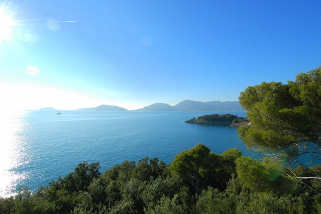 7 bed mobile/park home for sale in Gulf Of La Spezia, Tuscany, Italy