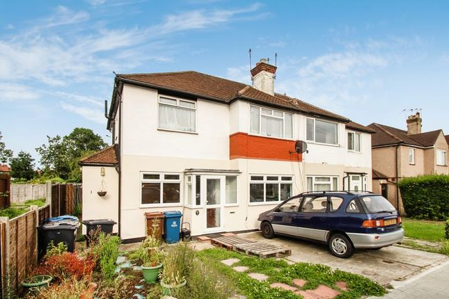 Thumbnail Flat for sale in Ivy Close, Harrow