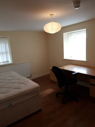 Thumbnail Flat to rent in Davenport Avenue, Withington