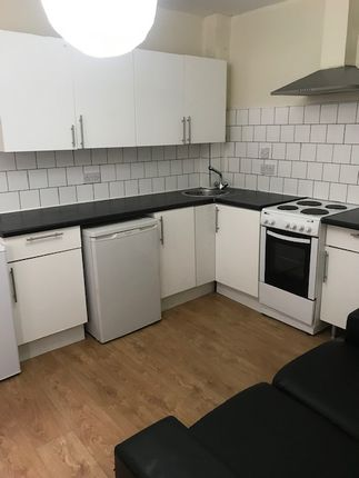 Thumbnail Flat to rent in Colet Gardens, London