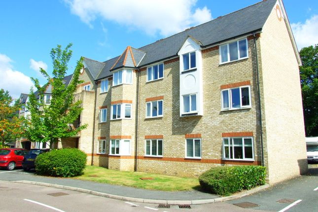 2 bed flat for sale in Norbury Avenue, Watford WD24