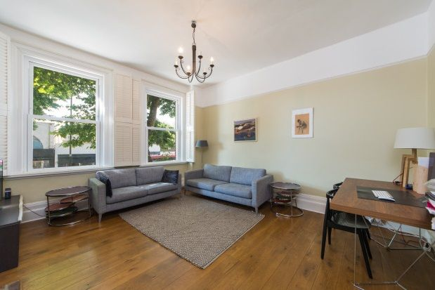 Thumbnail Maisonette to rent in Fishers Lane, Chiswick