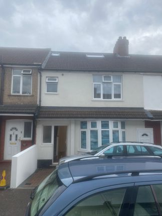 Thumbnail Terraced house for sale in Thornhill Road, Luton