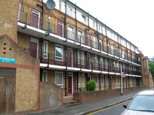 Thumbnail Flat to rent in Whites Grounds Estate, London