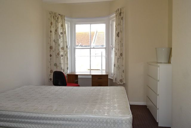 Thumbnail Shared accommodation to rent in Weston Road, Southend On Sea