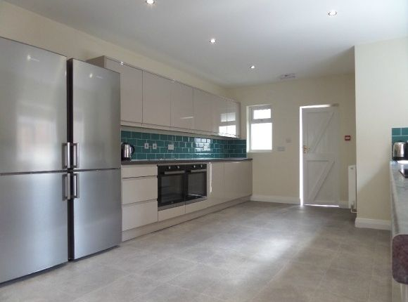 Thumbnail Town house to rent in Park End Road, Tredworth, Gloucester