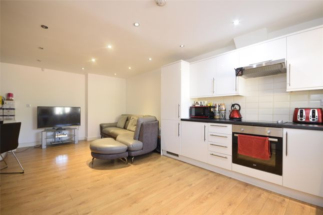 Thumbnail Terraced house to rent in Ross Parade, Wallington, Surrey
