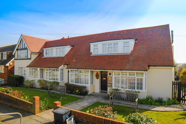Thumbnail Property to rent in Dorothy Avenue North, Peacehaven, East Sussex