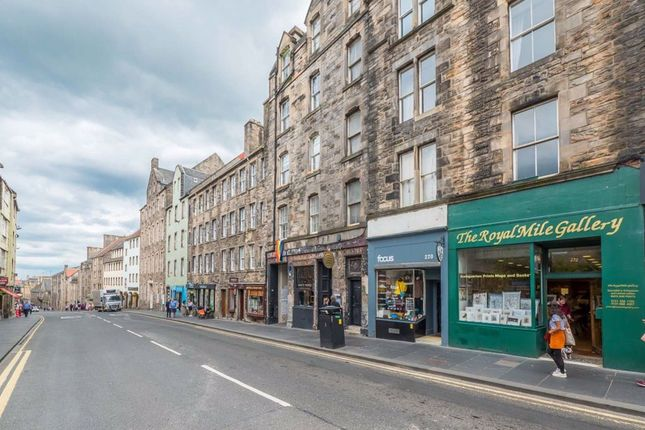 Thumbnail Flat to rent in Canongate, Royal Mile