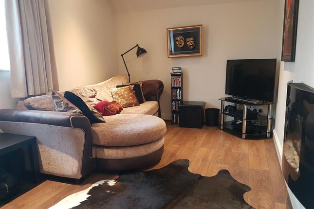 Thumbnail Flat to rent in Whitehall Lane, Grays