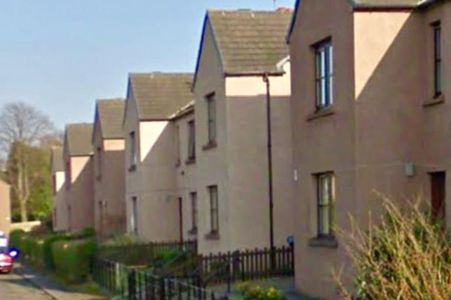 Thumbnail Flat to rent in 15 Deanfield Crescent, Bo'ness