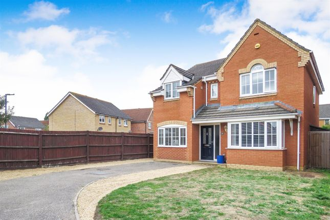 Thumbnail Detached house for sale in Lilac Grove, Biggleswade
