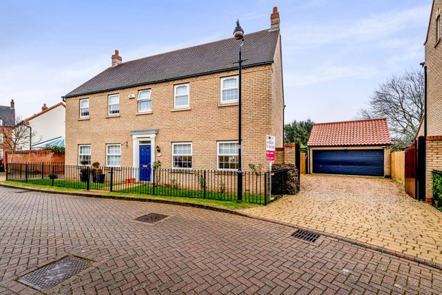 Thumbnail Detached house for sale in Oakley Rise, Wilstead, Bedford