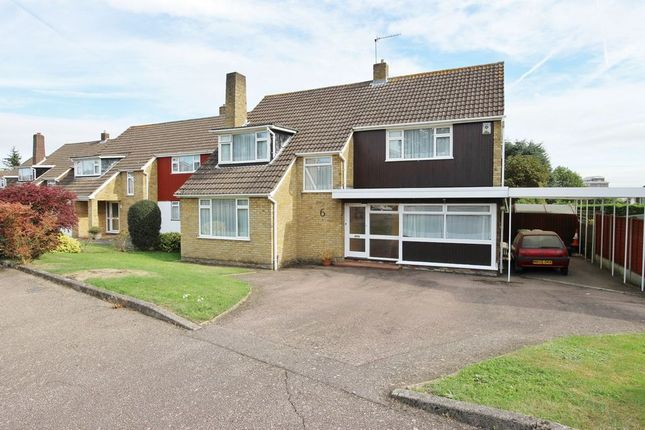 Thumbnail Detached house for sale in Mandeville Close, Broxbourne